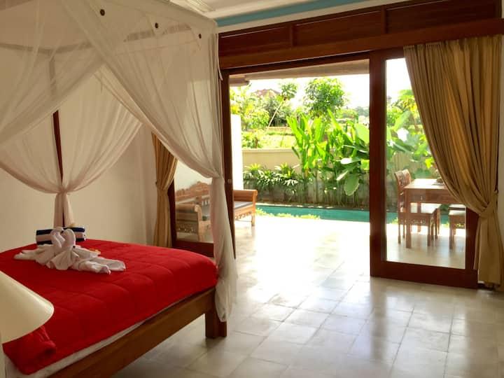 Rumah sekar with aircon share pool