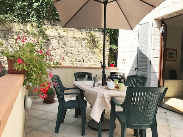 Casina PiP  (large terrace)