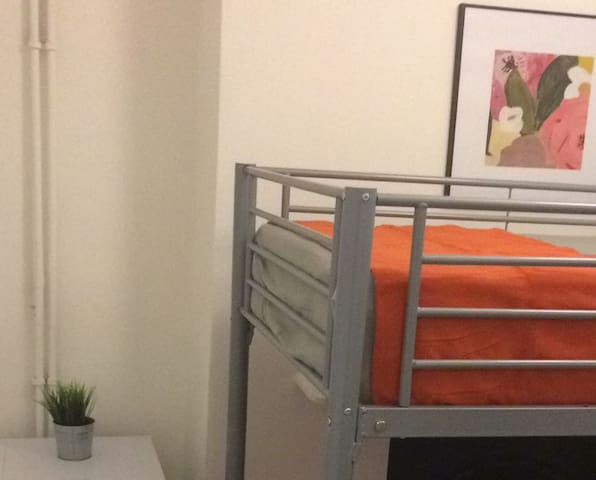 1 BED IN A NICE SHARED ROOM