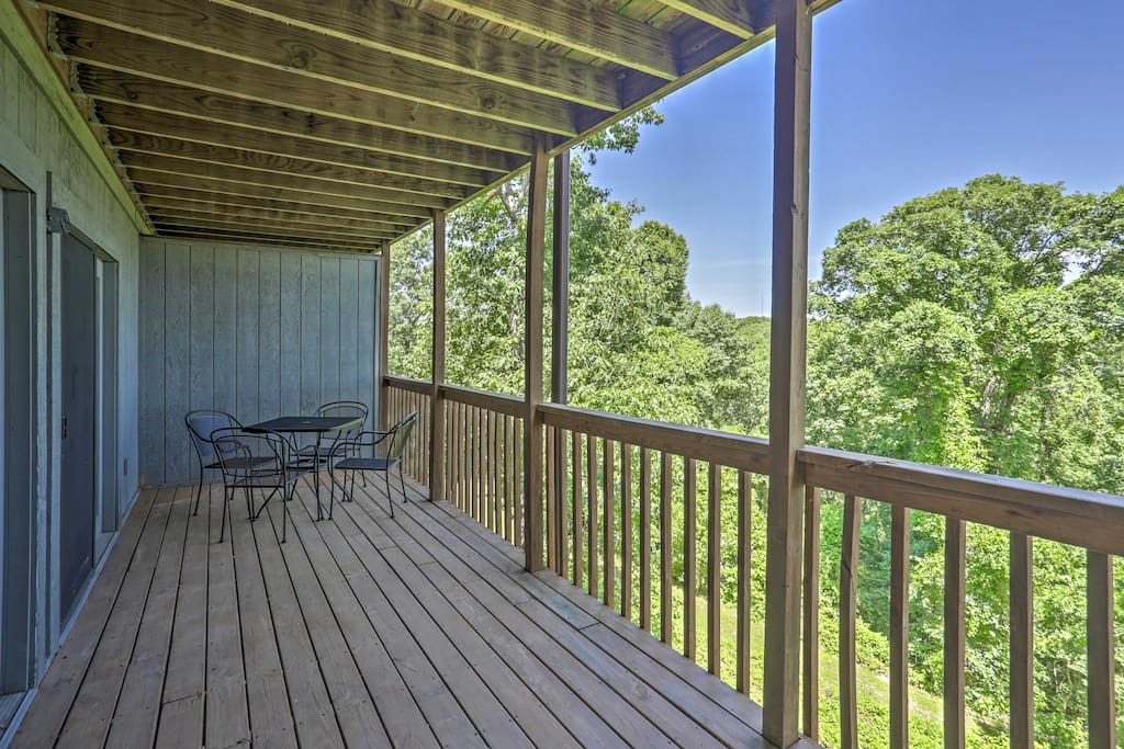 Gather your family for an unforgettable trip to the Ozarks in this 2-bedroom, 2-bathroom Branson West vacation rental condo.