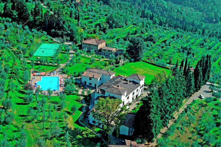 A unique holiday in the heart of the Tuscan Countryside near Florence