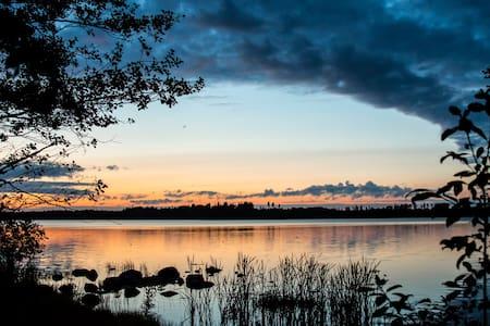 SKERRYCAPE - Lakefront Cottage & Sauna - Mäntsälä - Almhütte