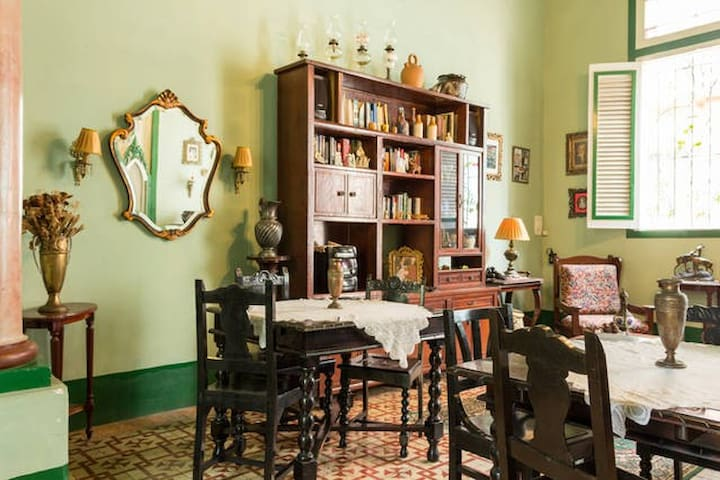 Colonial Home in the heart of Havana2