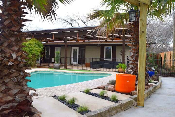 Comfortable and Close-In South Austin Pool Palace