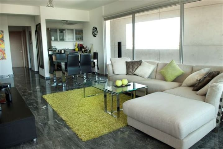 Luxury 2 Bedroom Apartment - Limassol - Apartment