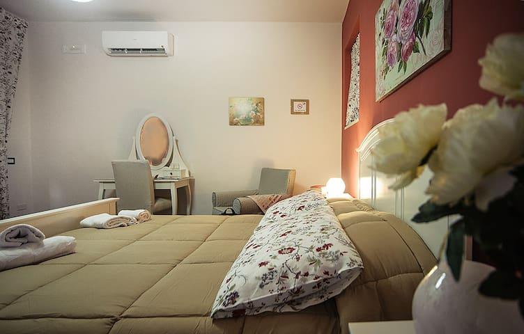 """A Corte"" B&B - Casola - Bed & Breakfast"