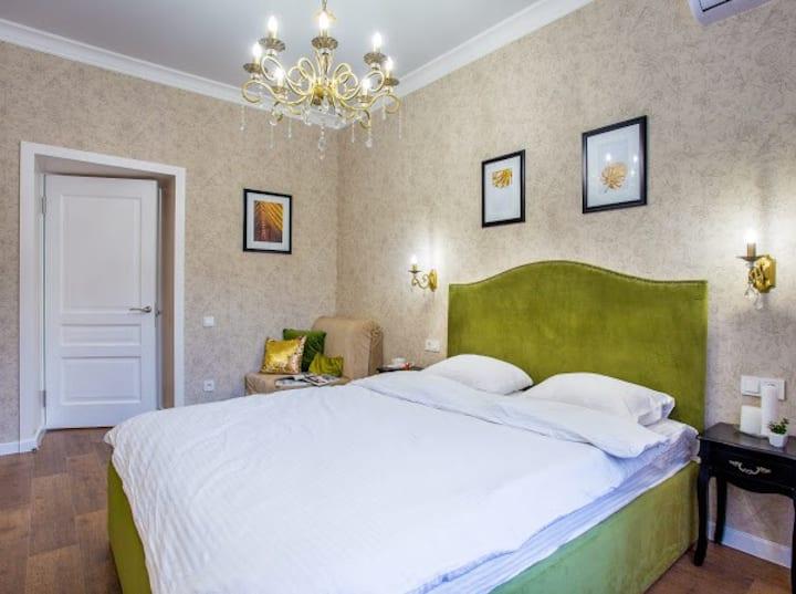 Люкс в центре с двумя раздельными спальнями
