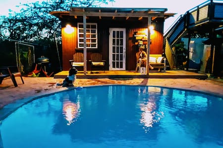 Cabin with Private Pool, Perfect getaway for 2
