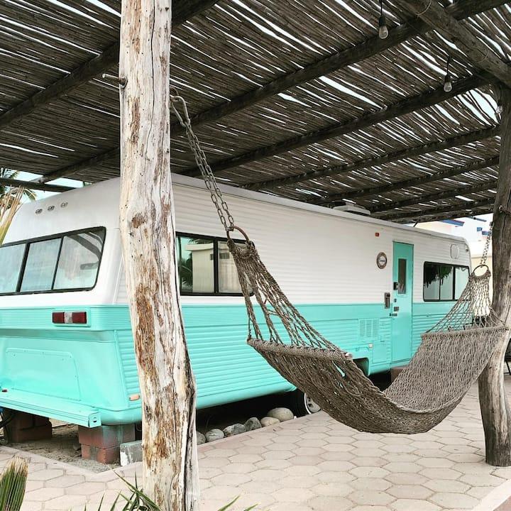 """Beachfront RV """"Cachalote"""" (Garden View)"""