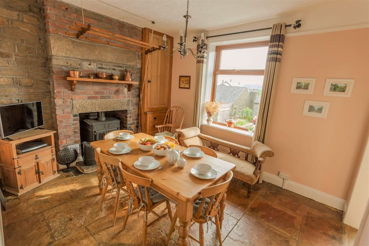 Wisteria Cottage (3 bed) Haworth, West Yorkshire