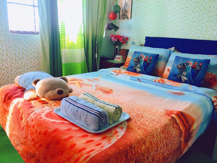 Bedroom Classic Bed