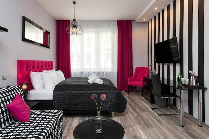 Leo Aparthotel Pink Apartment Old Town Cracow