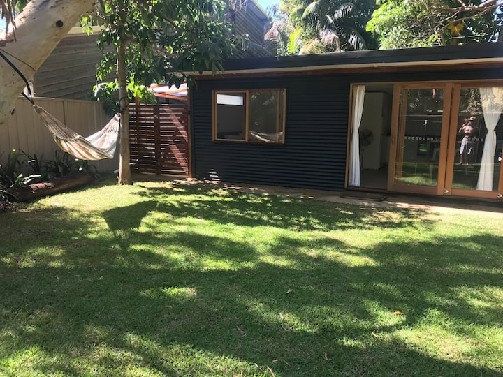 Bundeena Beach Bungalow