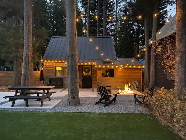 Modern Tiny Cabin Near Donner Lake