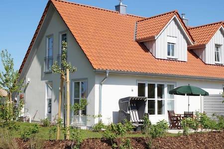 5 ***** Ferienhaus am Ostseestrand mit Sauna - Dassow