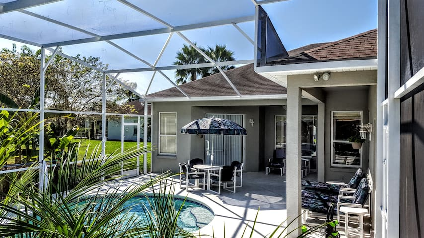3 bed, 3 bath. private pool, close to Disney - Davenport - House