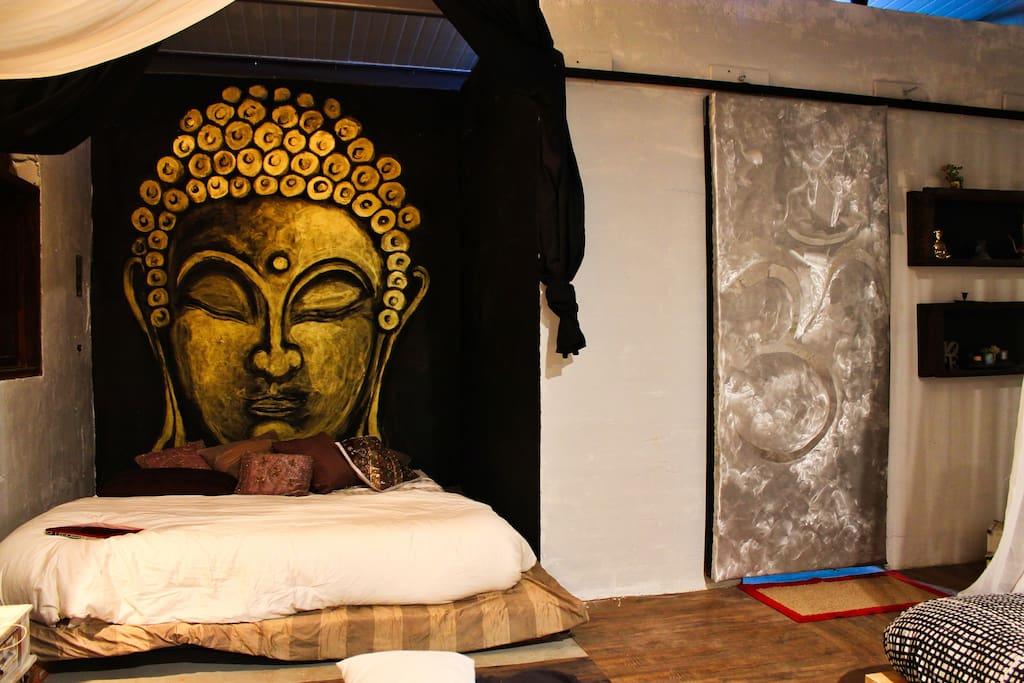 Buddha Kind Size Bed