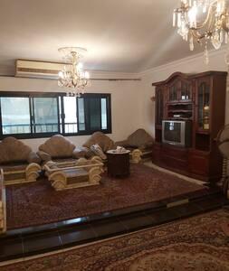 2 شارع الفادي متفرع من دكتور لاشين / فيصل /الجيزة