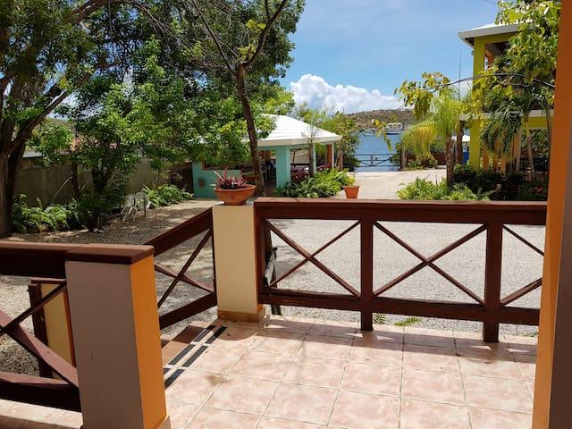 Hostal Casa Culebra Villa 5 (bay front, dock slip)