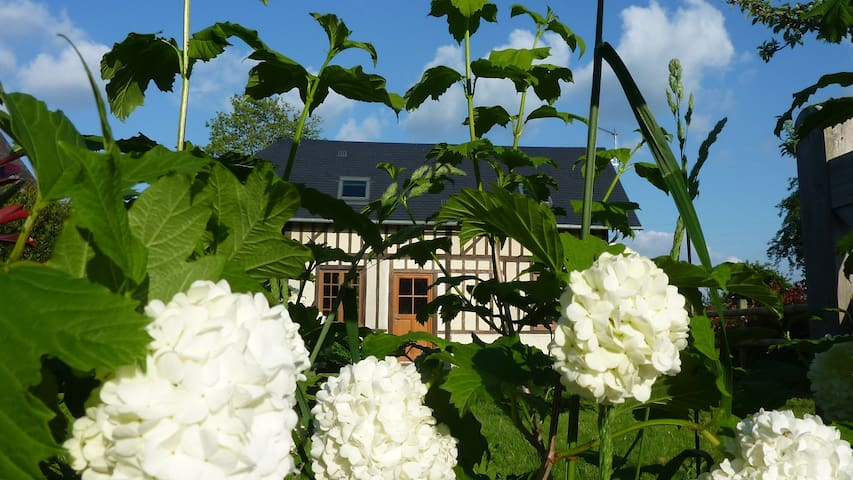 Pretty cottage near Honfleur - Manneville-la-Raoult - Дом