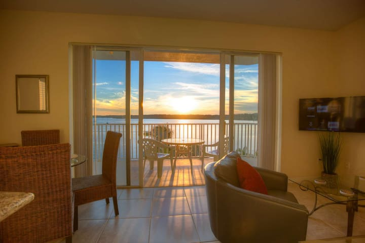 Magnificent View Over the Bay.  Just Minutes from the Beaches and Close to Shopping and Activities.