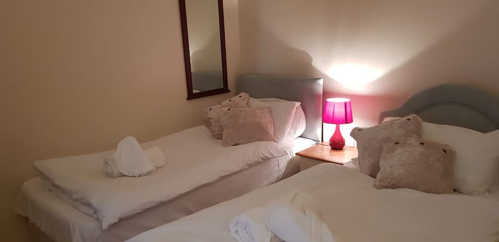 Beautiful Large rooms in a Lovely Home * Just book
