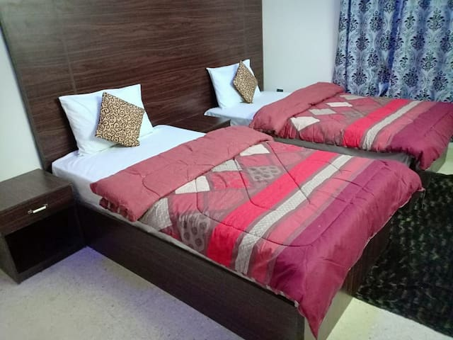 Clifton Logde Guest House accommodation karachi