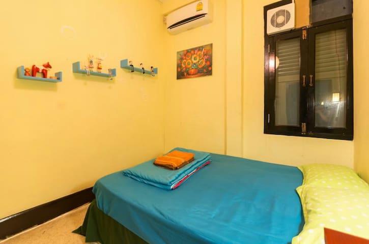 琅勃拉邦老店5+&viradesa guesthouse大床房整洁可爱 - Luang Prabang