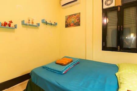 琅勃拉邦老店5+&viradesa guesthouse大床房整洁可爱 - Luang Prabang - Talo
