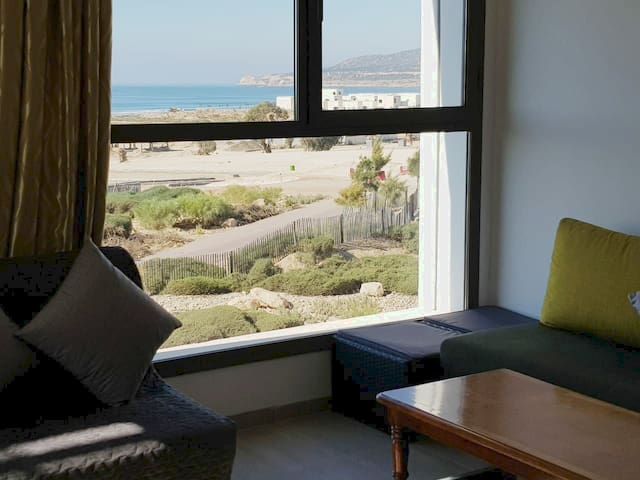 Appart vue sur mer, grande terrasse, 3 min plage