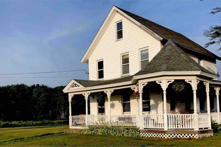 Farmhouse 32