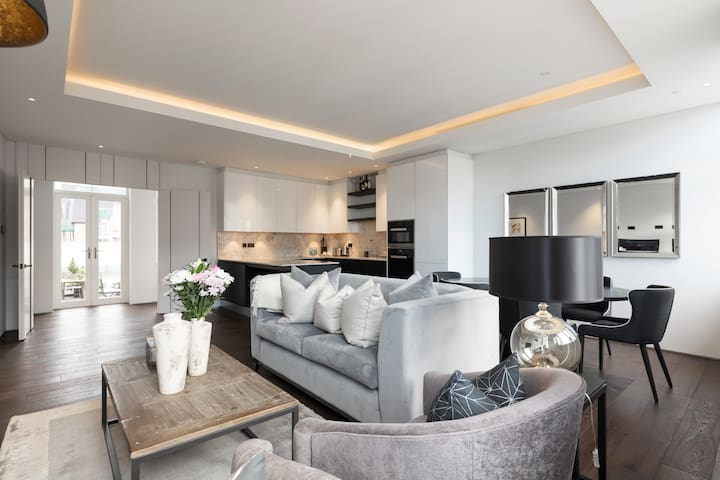 BRAND NEW AND LUXURIOUS  Apartment near LONDON EYE