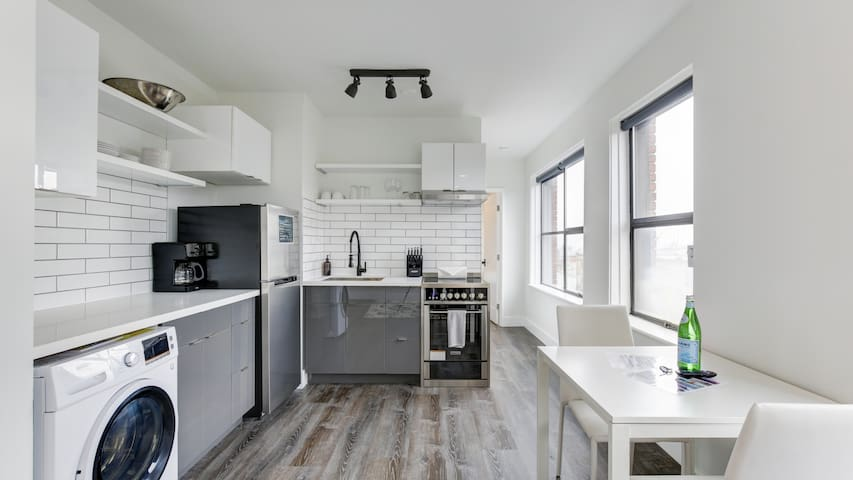 Sparkling clean studio right in Pike Place Market