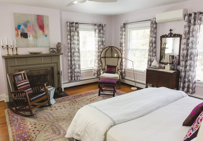 York Imperial - Applewood Manor Bed & Breakfast