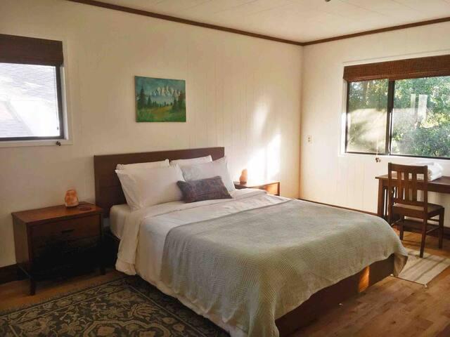 The Manzanita Suite at The Jameson Lodge