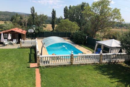 Casa  con encanto ,piscina y chillout privado