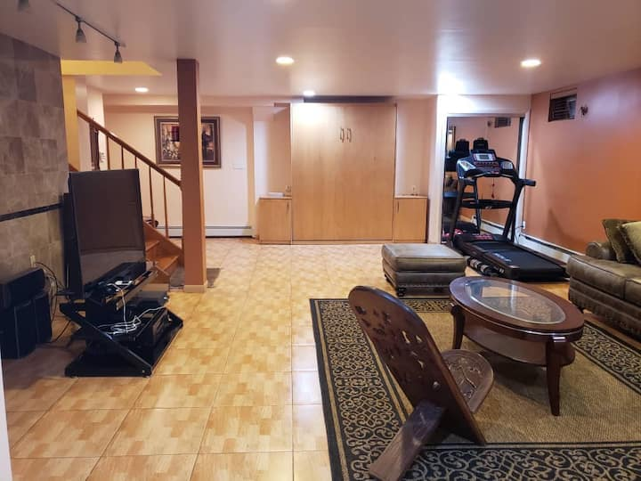 Full Basement in a family home (minutes from NYC)