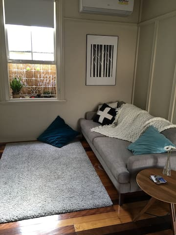 Lovely 2 Bedroom Flat in Trendy New Farm - New Farm - Apartment