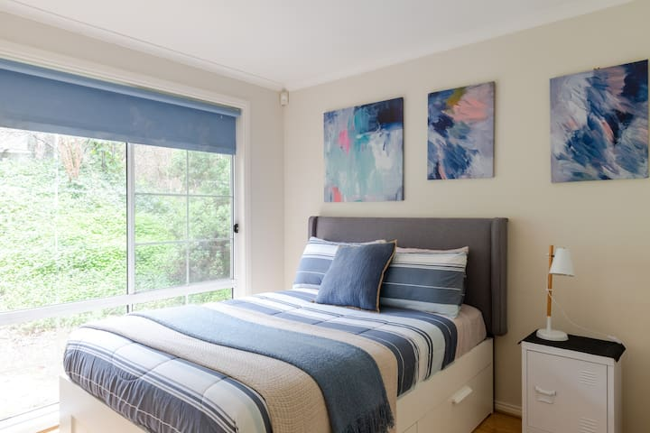 2nd bedroom Double bedroom comfortable new bed mattress and 1000 thread count sheets. Peacefully quiet