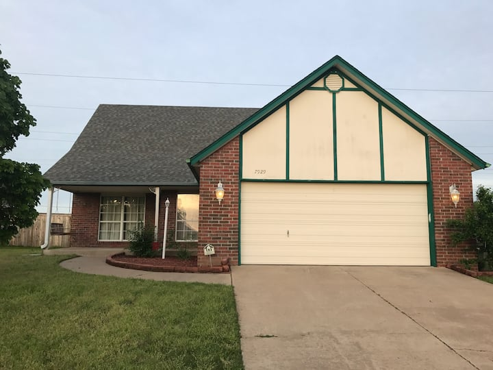 Family home 15 min from Downtown