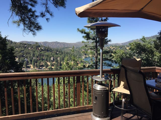 Misty Mountain Manor. Lake Views. - Crestline - House