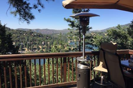 Misty Mountain Manor. Lake Views. - Crestline