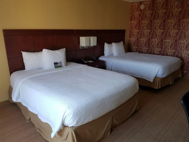 Marriott Deluxe Room - Hapeville  - House