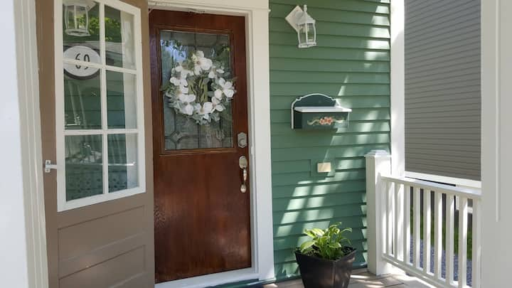 3 B/R Historic home with seasonal rates. Pets too!