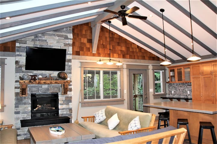 Cottage by the Sea by Natural Elements Vacation Rentals