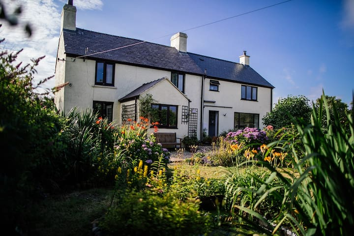Tyn Llain - Cosy Anglesey Cottage