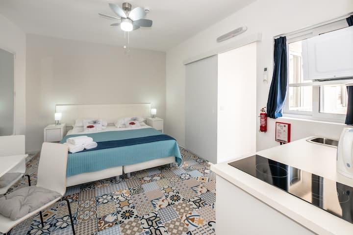 Ajkla Mansions Suite 1
