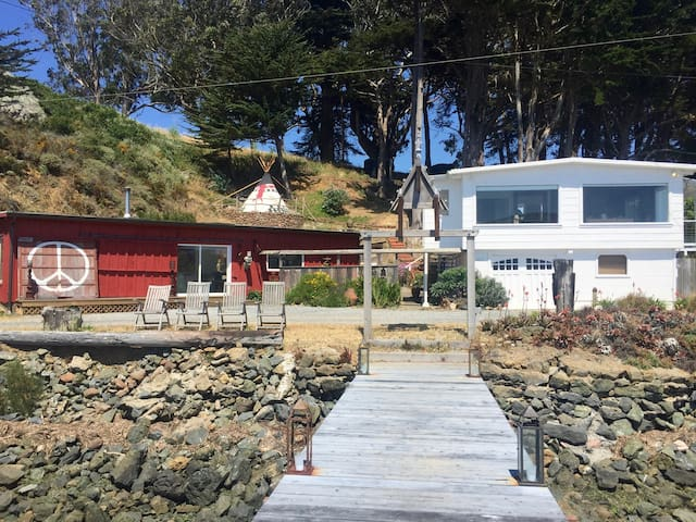 Two homes plus teepee  Tomales Bay - Marshall - Hus