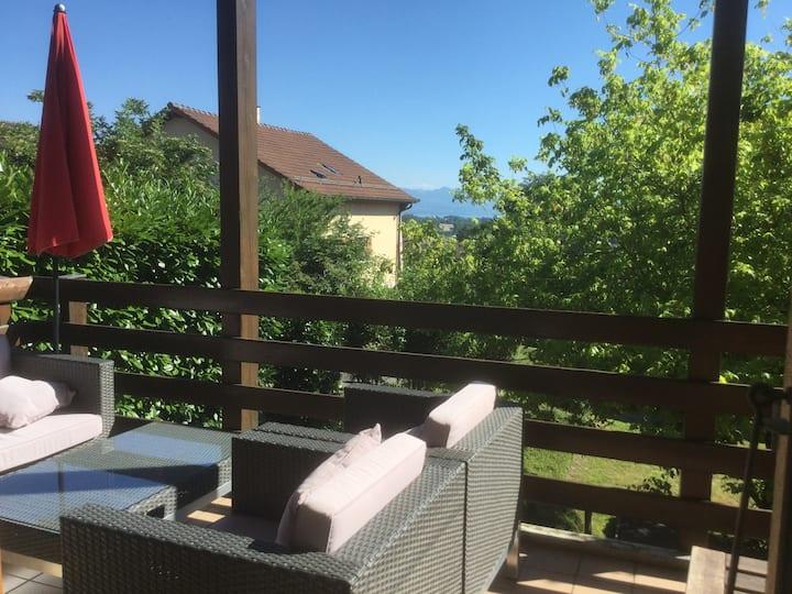 180m2, villa, vue sur le lac