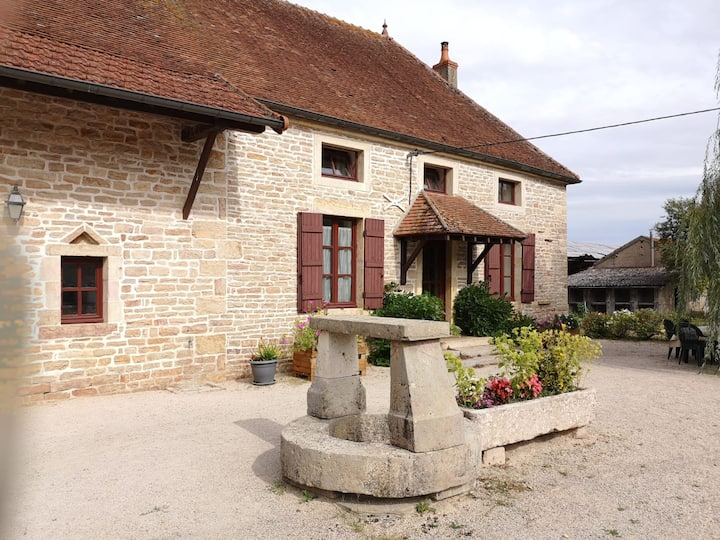 Grande ferme - 200m2-  au Sud de la Bourgogne